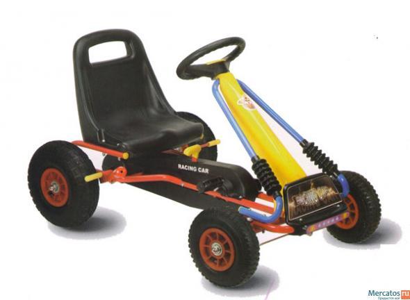 Машина для детей на педалях
