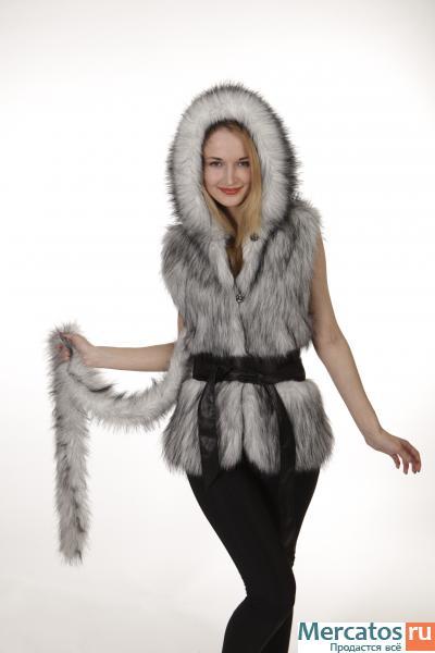 ...Кожаные куртки, Меховые жилеты, Сумки из меха.  Всегда самая модная...
