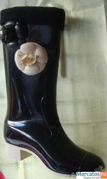 Вы можете купить модные, красивые женские резиновые сапоги в нашем...