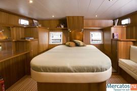 Продаётся стальная моторная яхта Levanto 44 6