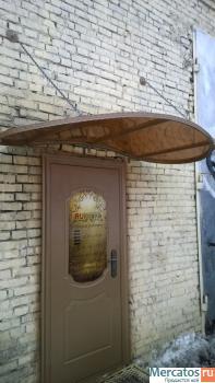 Козырек над входной дверью на цепях